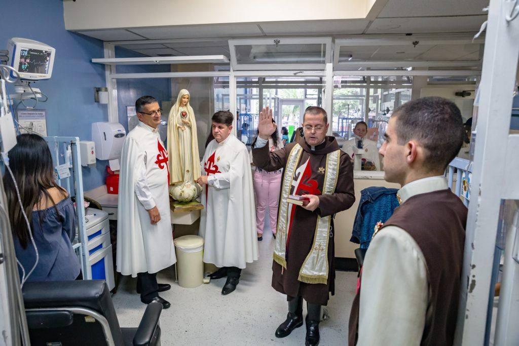 Visita de la Virgen al Hospital Nacional de Niños